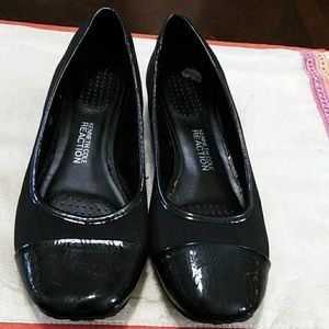 Kenneth Cole black wedge shoe